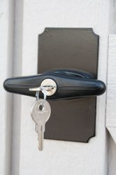 quality sheds keyed latches